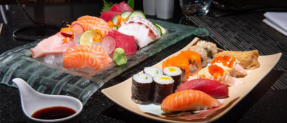 ห้องอาหารอัพ แอนด์ อะบัฟเปิดให้บริการบุฟเฟ่ต์อาหารทะเลนานาชาติมื้อค่ำ