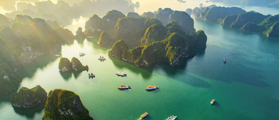 """การบินไทยชวน บินสบาย จองง่าย จ่ายสะดวก กับ """"Travel card CLMVT"""""""